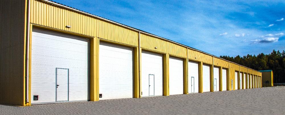Промышленные секционные ворота  DoorHan из сэндвич панелей в Саратове - купить Промышленные секционные ворота  DoorHan из сэндвич панелей в Саратове прайс-лист цена 2019
