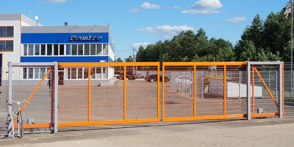 Фирменные сдвижные и распашные уличные ворота DoorHan в Саратове - купить Фирменные сдвижные и распашные уличные ворота DoorHan в Саратове прайс-лист цена 2021